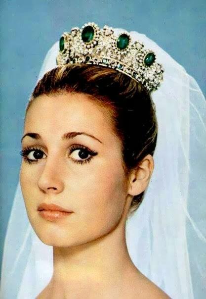 corona esmeraldas carmen