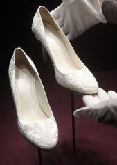Kate-Middleton-bridal-shoes