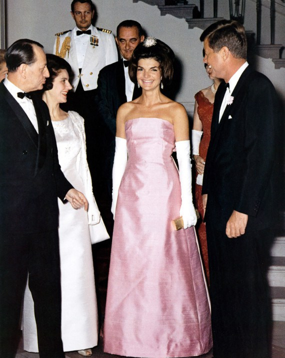 french minister of culture Andre Malraux with his wife Madeleine received at the White House in Washington by american vice-president Lyndon Johnson and americain president John Kennedy and his wife Jackie, may 11, 1962 (Jackie wearing dress by creator Du